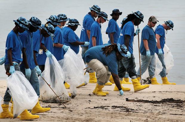 beach-clean-up_1873624i